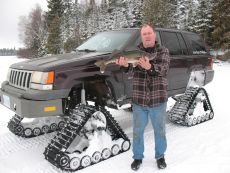 Jeep-grand-cherokee-snow-tracks-dominator-track-truck-track-kit-track-system-ice-fishing-2.jpg