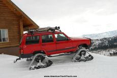 Jeep-Cherokee-snow-tracks-track-kit-track-system-dominator-snow-vehicle.jpg