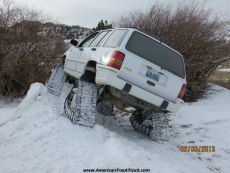 Jeep-grand-cherokee-snow-tracks-dominator-track-truck-track-kit-track-system-ice-fishing-7.jpg