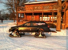 SUBARU-outback-snow-tracks.jpg