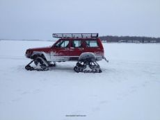 Jeep-Cherokee-Ice-Fishing-Setup-2.jpg