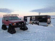 Jeep-Cherokee-Ice-Fishing-Setup-3.jpg