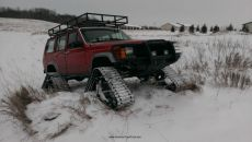 Jeep-Cherokee-Ice-Fishing-Setup.jpg