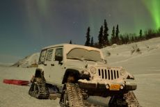 Jeep-Northern-Lights-Dominator-Tracks.jpg